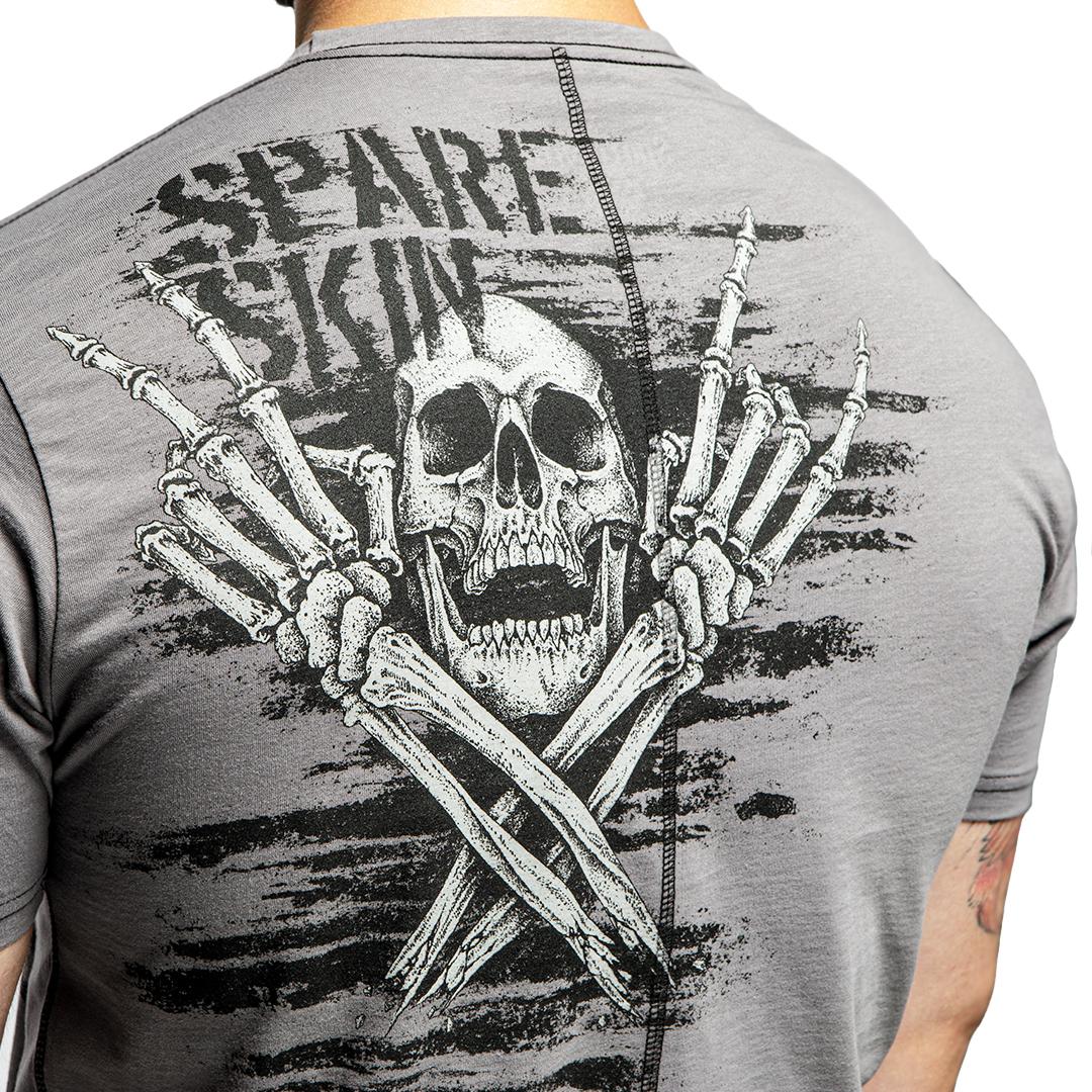 череп на спине, футболка со скелетами